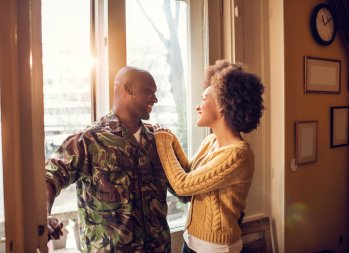 10 Easy Job Hunting Tips for 'Trailing Spouses'