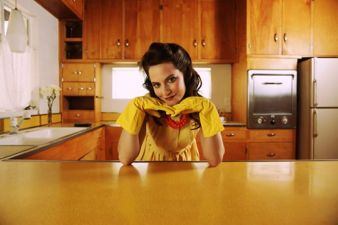 Yep, It's a Thing: Stay-at-Home Girlfriends
