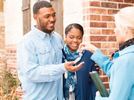 Buying and Selling With RedFin vs. a Realtor: Has Tech Changed Real Estate?