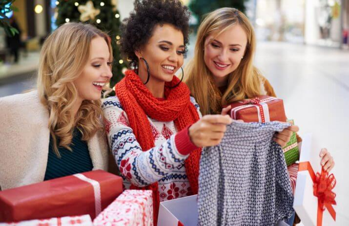5 Money-Saving Apps to Prevent Your Holiday Budget from Snowballing