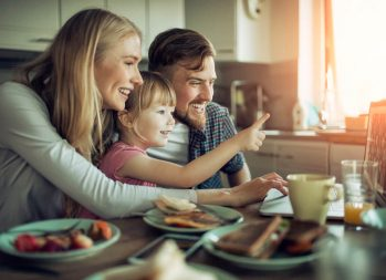 Five Good Apps to Teach Your Kids About Money