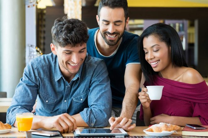 9 Ways to Support Your Friends' Businesses Without Going Broke