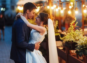 The Dream Wedding Budget: Say 'I Don't' to Debt - wedding debt