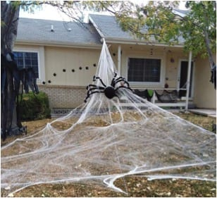 27 Cheap Halloween Party Ideas for Under $27: Giant spider
